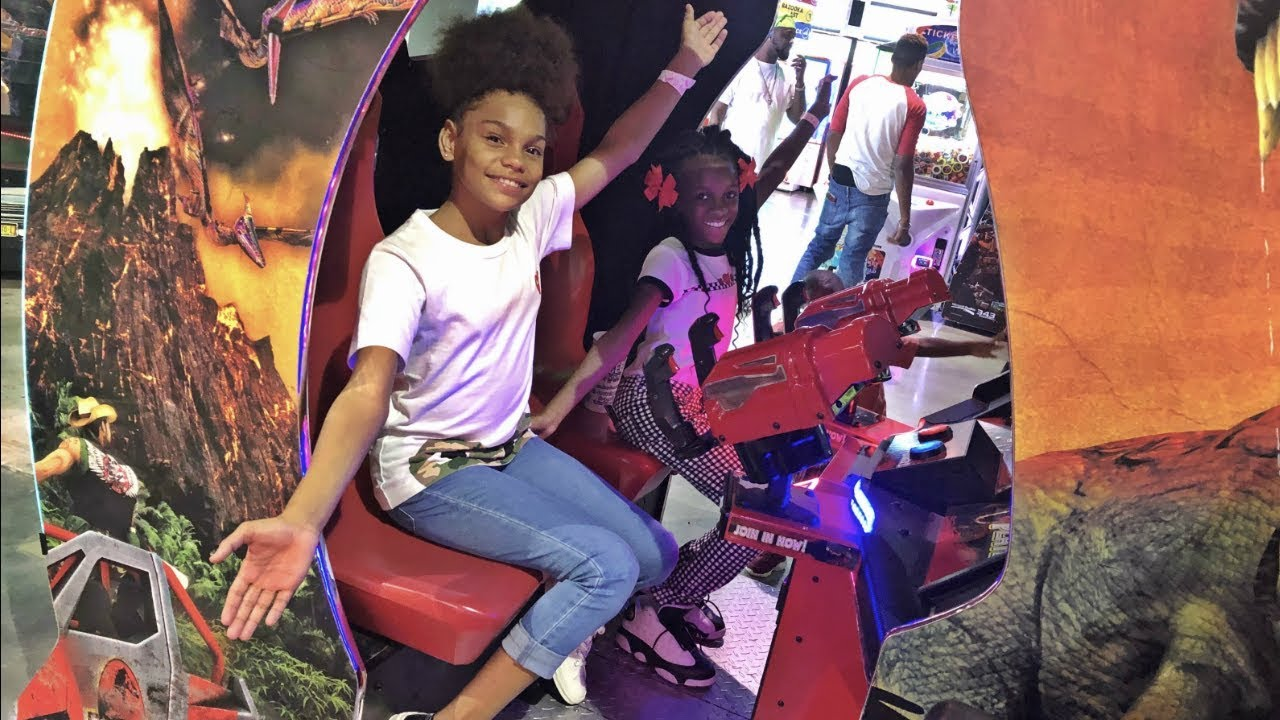 yaya-and-ilani-are-bff-s-again-the-whole-squad-linked-up-for-a-lit-vlog-ft-ajmobb-and-beam-squad