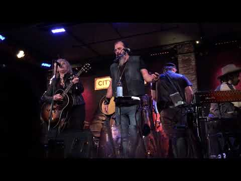 """Drunken Angel"" Lucinda Williams w/ Steve Earle & The Dukes @ City Winery,NYC 12-2-2017"