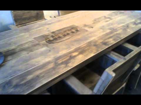 bauholz tisch mit firmenlogo http://www.exklusivdutchdesign.de, Gartenarbeit ideen