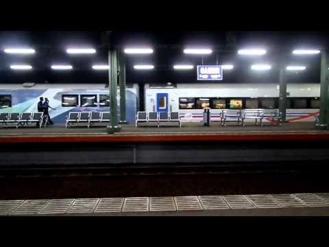 Suara Musik Keberangkatan Kereta Api di Stasiun Gambir