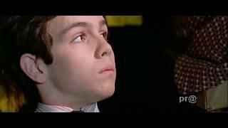 Film Izlerken Yengesinin Bacağını Okşuyor !!