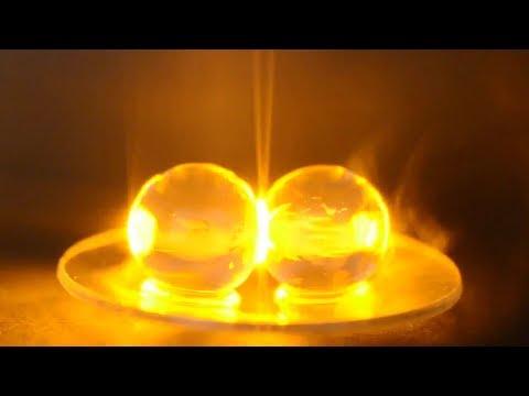 TRIK SULAP YANG MENGEJUTKAN Video ini penuh keajaiban! Anda akan belajar cara membuat ilusi optik yang tampak....