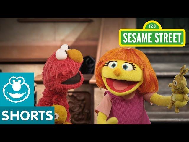 Sesame Street: Play Peek-A-Boo with Elmo & Julia