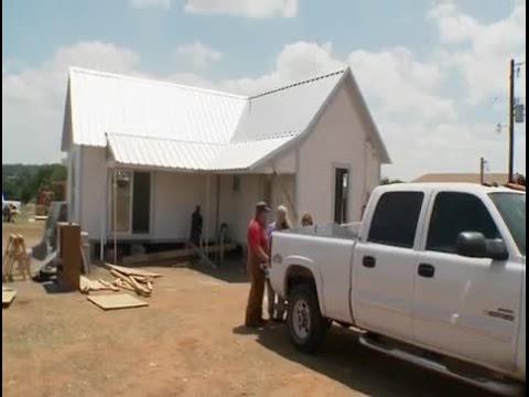 Texas Flip and Move Season 1 Episode 4  - Historic Telephone House Flip