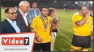 بالفيديو.. الأمم المتحدة بالقاهرة تكرم نجوم الكرة باليوم الرياضى بالجزيرة