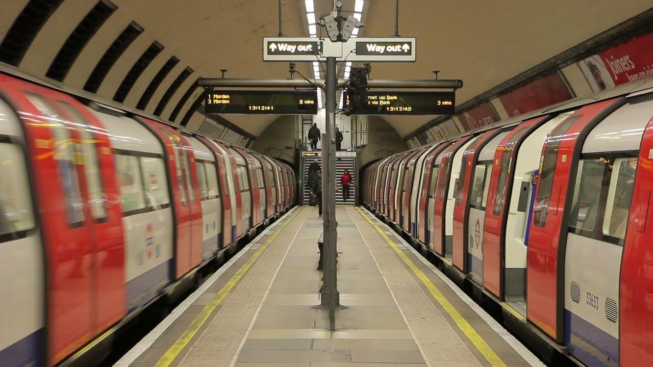 London Underground: Narrow Platform at Clapham North ... London Underground Stations