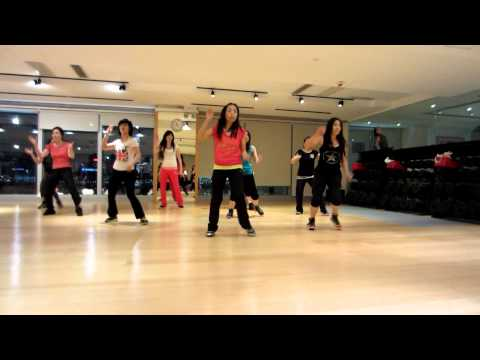 Student practice HIP HOP dance 'Let's Party' Choreographed by Master Satya
