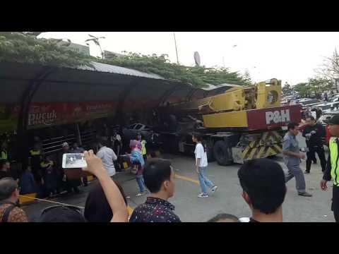 Tragedi rest area KM 97 cipularang arah Jakarta 08 July 2017