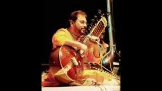 Video Raag Yaman on Surbahar - Pandit Kushal Das - Alap Jod Jhala download MP3, 3GP, MP4, WEBM, AVI, FLV November 2018