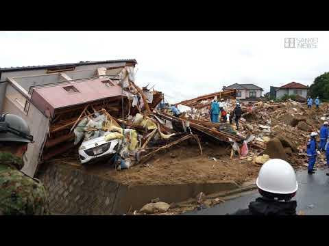 西日本豪雨被害 土砂崩れが住宅地を襲う 広島・熊野町