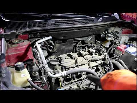 Замена свечей зажигания Nissan Qashqai 2,0 Ниссан Кашкай 2012 года