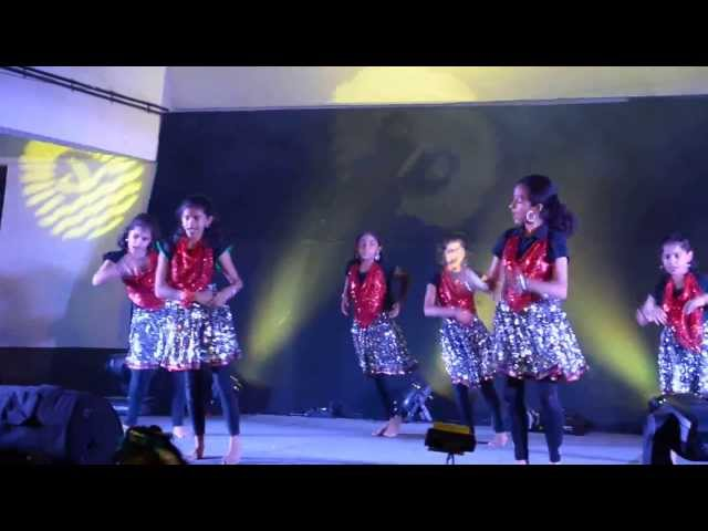 Srinidhi group dance for hindi numbers at Sobha Jasmine Annual Day - 2013 Travel Video