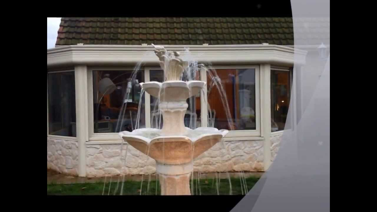 fontaine de jardin aux jets d 39 eau youtube. Black Bedroom Furniture Sets. Home Design Ideas