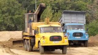 Tatra 148 UDS 110 rozhrnování(Příprava ůzemí pro stavbu bytového komplexu Leskava Starý lískovec., 2009-11-03T12:15:35.000Z)