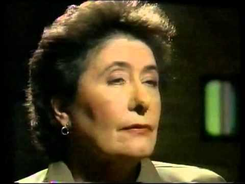 Elvis Costello - Mavis Nicholson TV Interview 1989