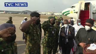 President Buhari Returns To Abuja After Medical Trip To London