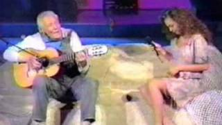 Thalia (marimar) y Tito Guizar (abuelo pancho )- llevame contigo (siempre en domingo en vivo)