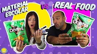 MATERIAL ESCOLAR vs REAL FOOD tiles escolares vs Comida Real Bego y Jordi Momentos Divertidos