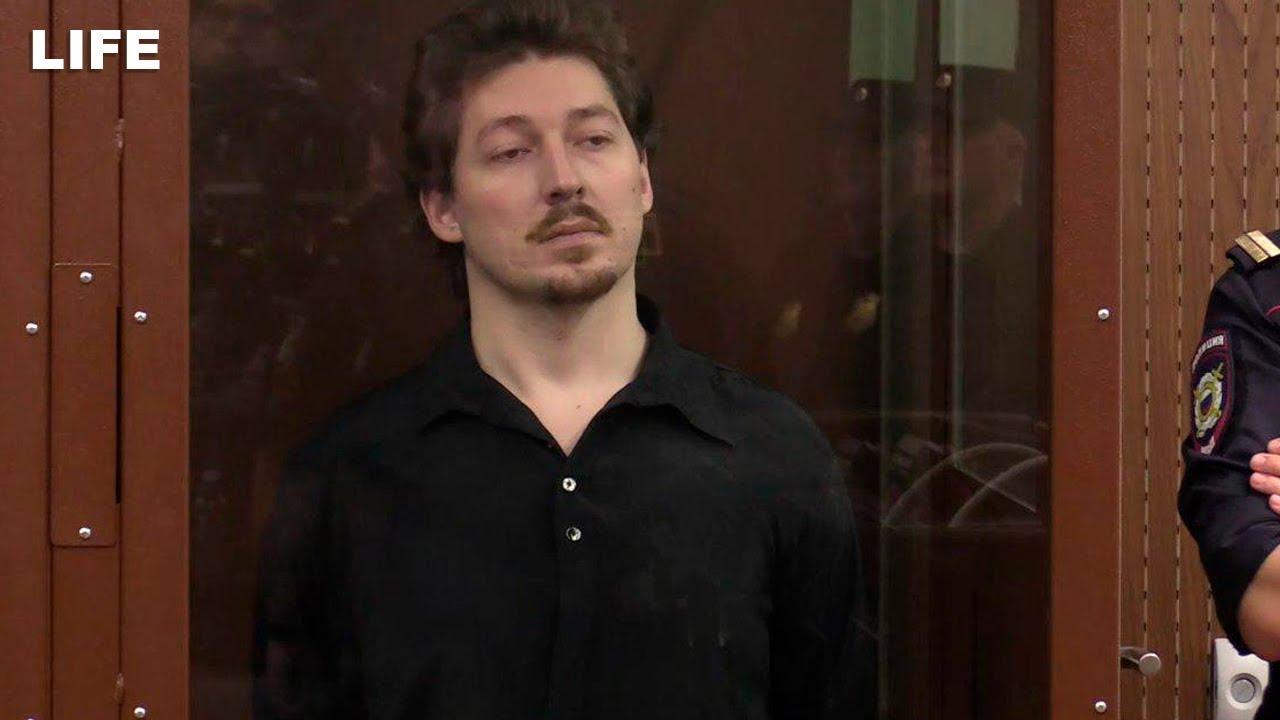 Кирилл Жуков, ударивший полицейского по шлему, осуждён на 3 года