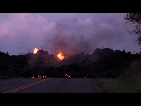 Hawaii volcano eruption: 10 fissures - 35 structures destroyed (Civil Defence broadcast)