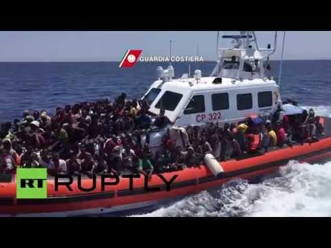 Italy: Italian Navy pick up nearly 500 migrants in the Mediterranean