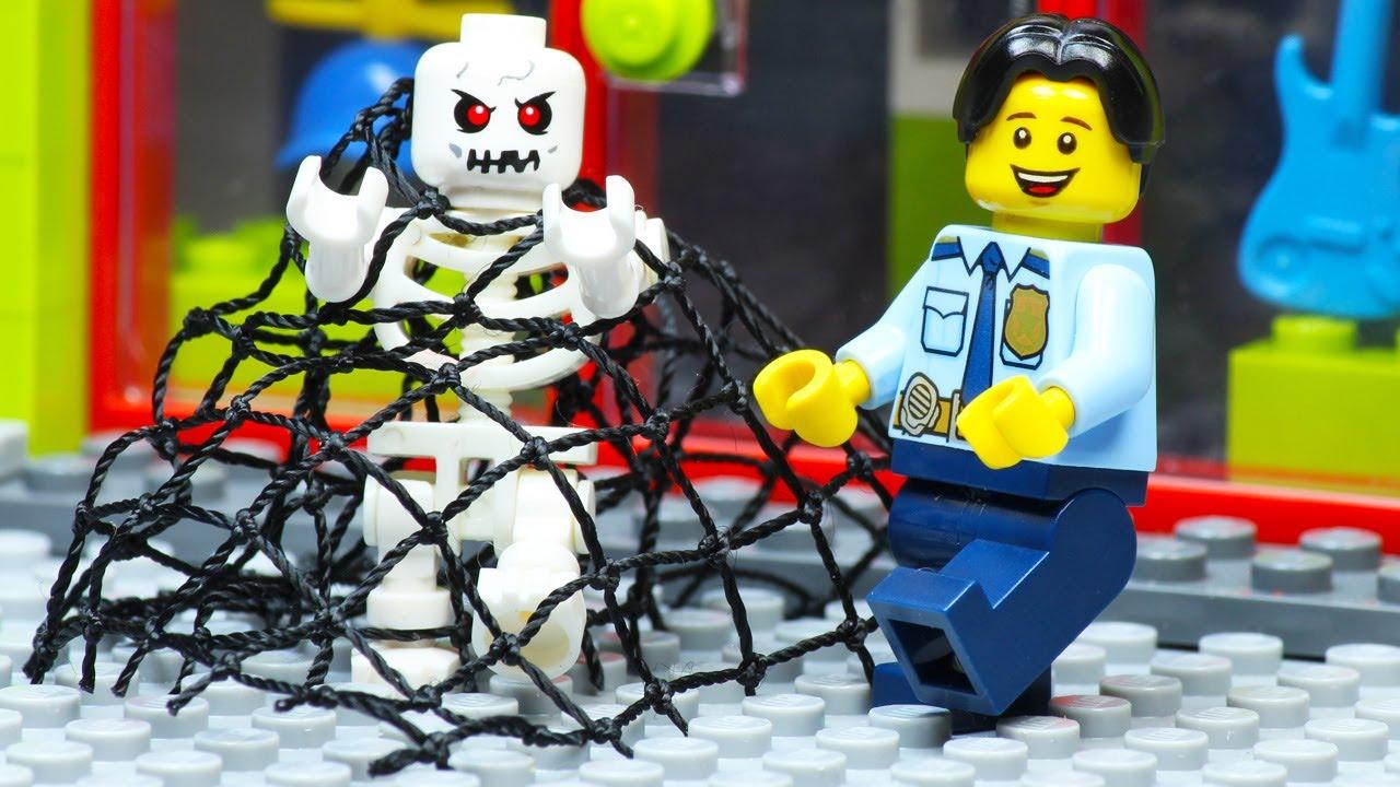 Lego City Skeleton Attack Food Robbery Secret Box STOP MOTION LEGO