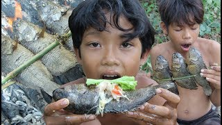 Primitive Technology - Awesome Grilled Fish In Forest - Eating Delicious