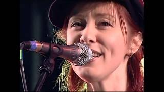 Suzanne Vega - Marlene on the Wall - Scotland 2005 HD