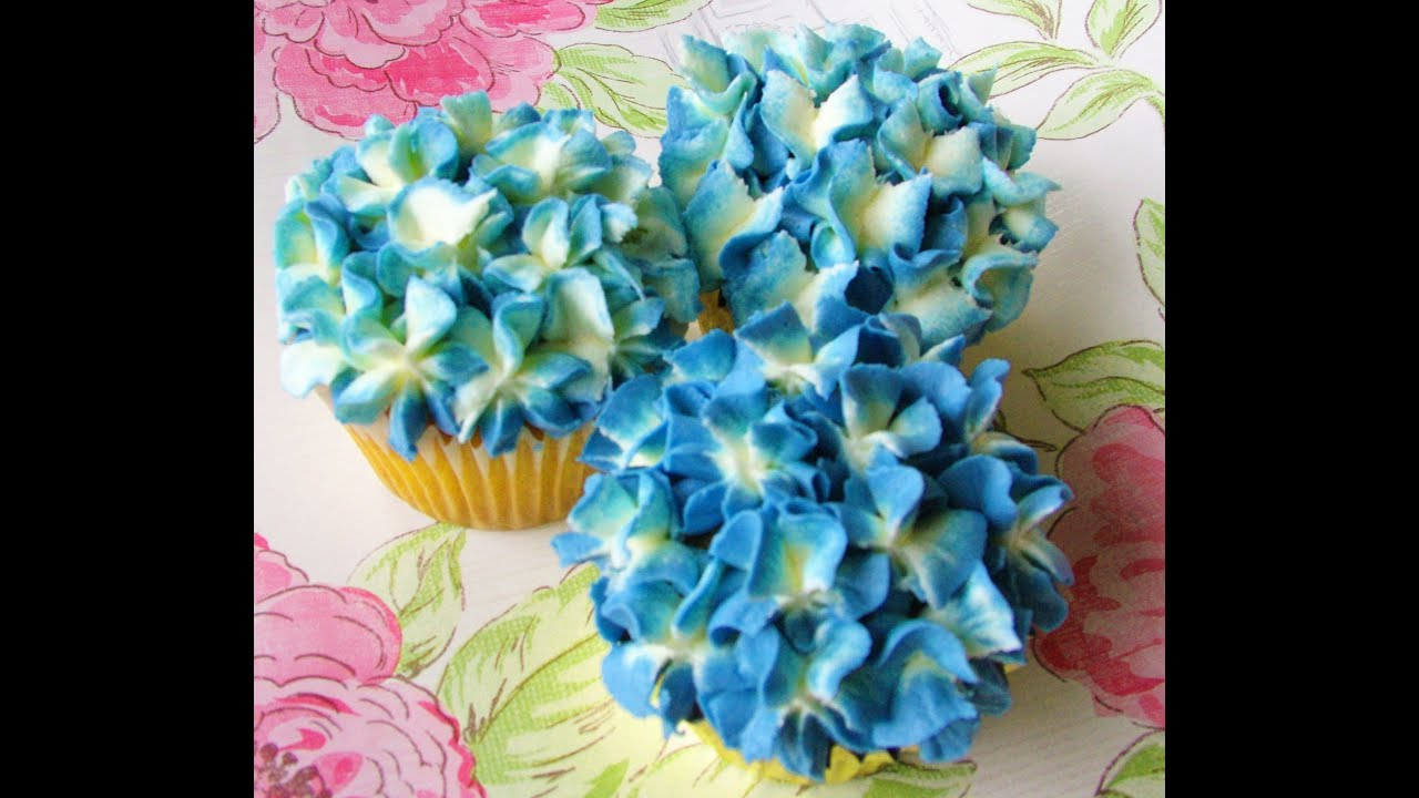 How To Make A Buttercream Hydrangea Cupcake Youtube