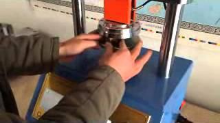 Лабораторное оборудование: Прибор для определения торцевого сжатия(, 2015-03-16T04:29:16.000Z)