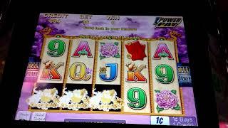 Choy Sun Returns Slot Machine @ Hollywood Casino