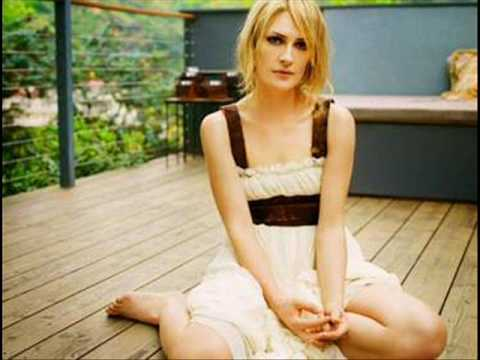 Emily Haines & the Soft Skeleton - Reading in Bed