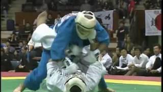 大道塾空道2005年世界大会 二回戦 岩木秀之選手 カポエィラから襟絞め