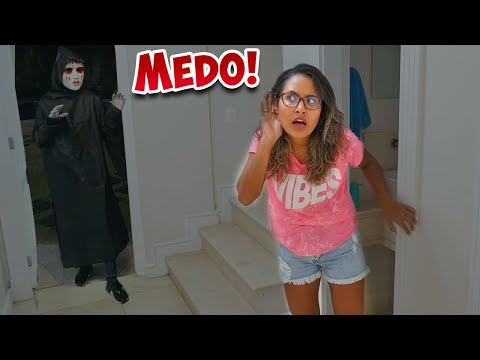 TENHO MEDO DE FICAR SOZINHA NA MANSÃO! - PERGUNTE À RAFA #50 - KIDS FUN