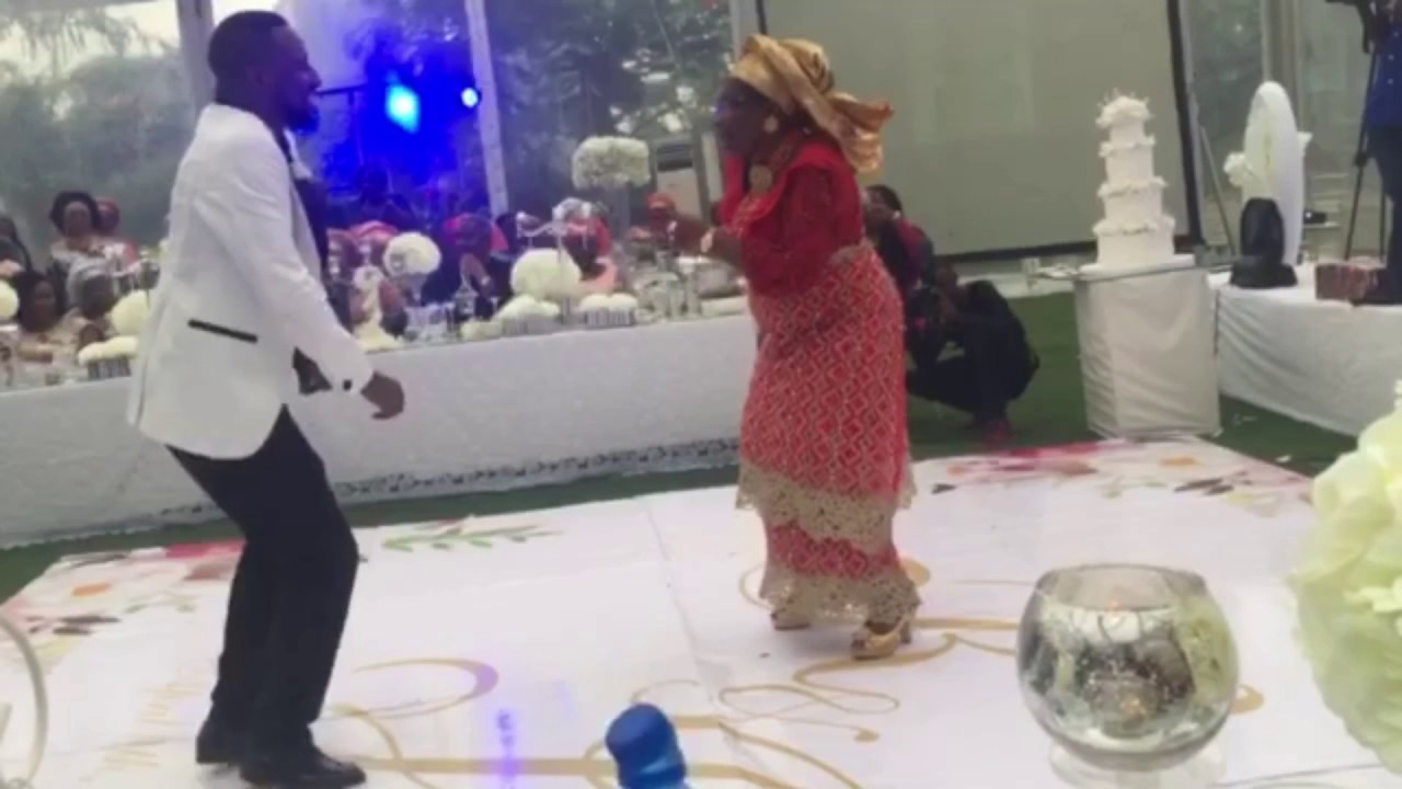 Amazing Groom & Mother Nigerian Wedding Dance  The Osolus  If by Davido  #TheOsolus2017