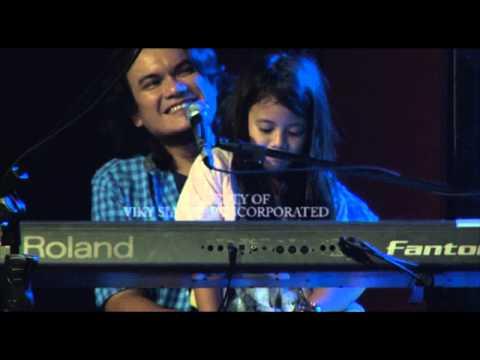 Viky Sianipar inc. | Tobatak Live | Boru Panggoaran