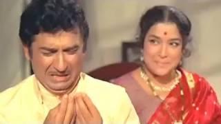 Mere Samne Wale Kamre Mein -  Asha Bhosle, Manna Dey, Lakhon Mein Ek Song