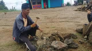 20 बर्ष देखि गिट्टी कुटेर जिबिका पालन गर्न्नु हुन्छ,आसाङ तामङ || Nepali Lebor
