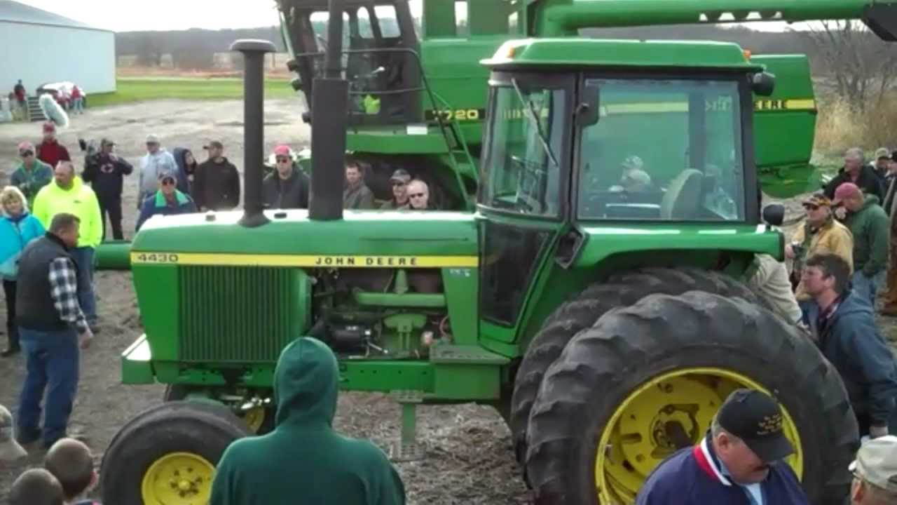 Jd 7000 Planter Jd 4430 Tractor Sell High On Wisconsin Auction