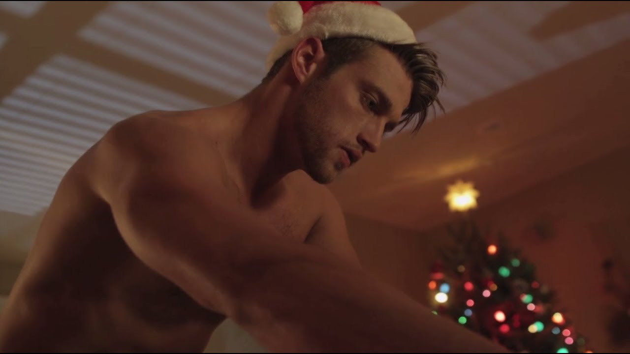 Hot, Hot, Hot Santa - Youtube-7011