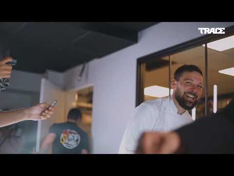 Youtube: Mokobé inaugure l'ouverture du nouveau TacoShake Champs-Elysées