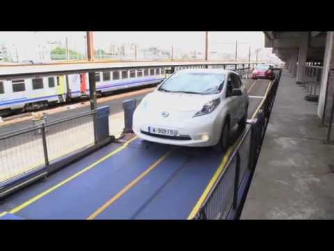 Electric Nissan Leaf Gets In The Train France