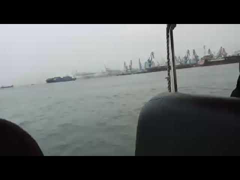 Mas aal bahari pelabuhan Tanjung Priok Jakarta Utara.. bersama polisi perairan Polda metro jaya