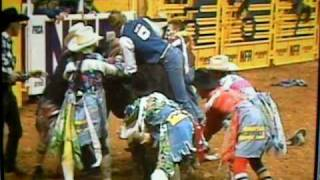 Tuff Hedeman NFR gets hung up