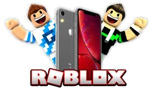 WE ENTER INSIDE AN IPHONE IN ROBLOX!!