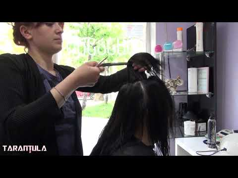 perfect-haircut-for-women-over-40-with-round-face