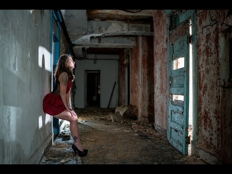 How To Use Artificial Light for AMAZING RESULTS. 3 Light set up- abandoned Waldo Hotel Jason Lanier