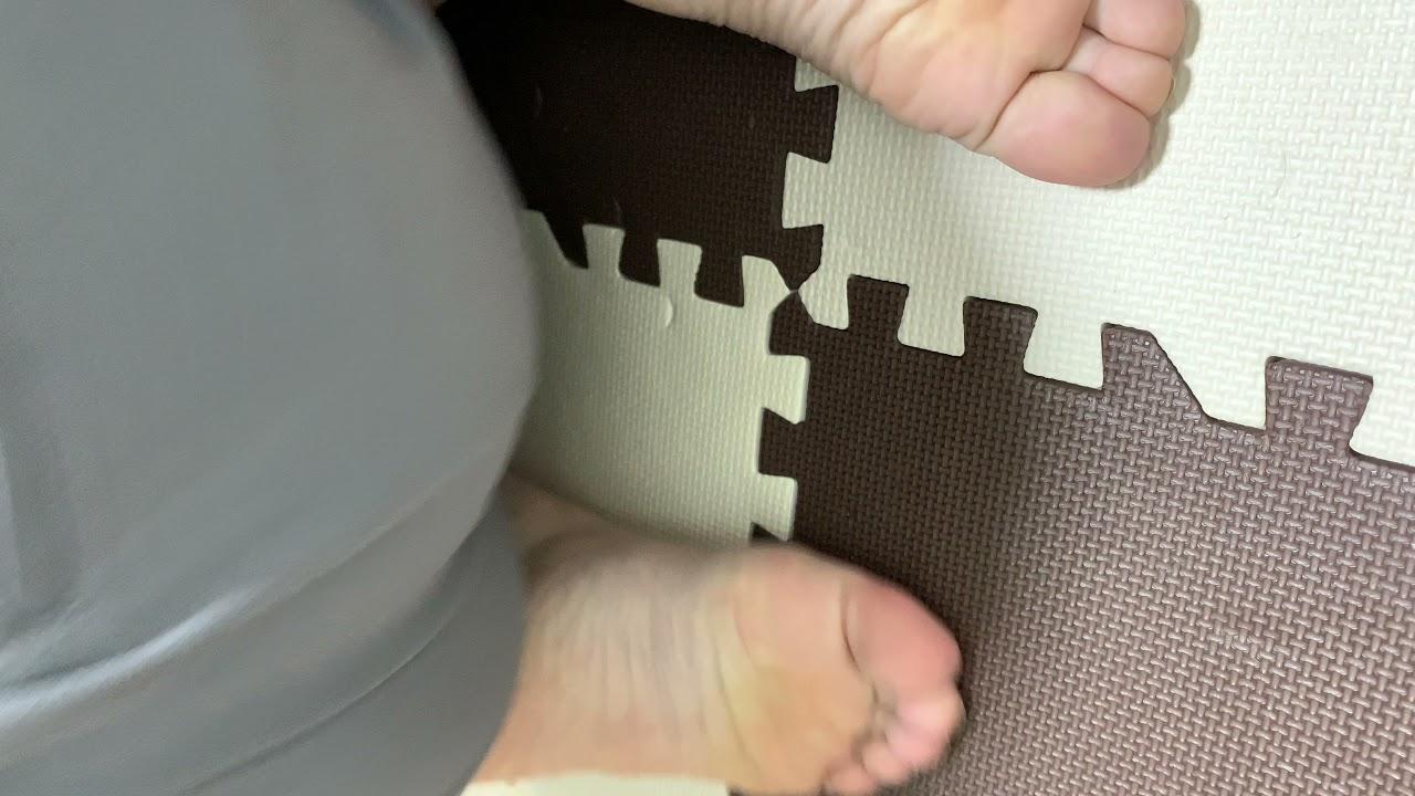 毎日足裏3日目 靴下脱いでからの正座編