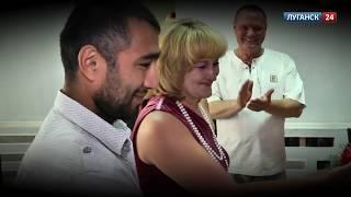 Луганск 24. В городе Ровеньки (ЛНР) состоялась очередная свадьба. 29 июля 2014 г.