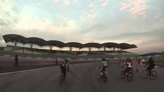 Video Sepang on bicycle - Summernats 2014 download MP3, 3GP, MP4, WEBM, AVI, FLV November 2018